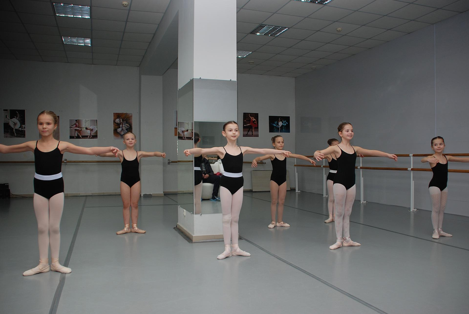 Danse Classique : les 5 positions de base à réviser à la maison