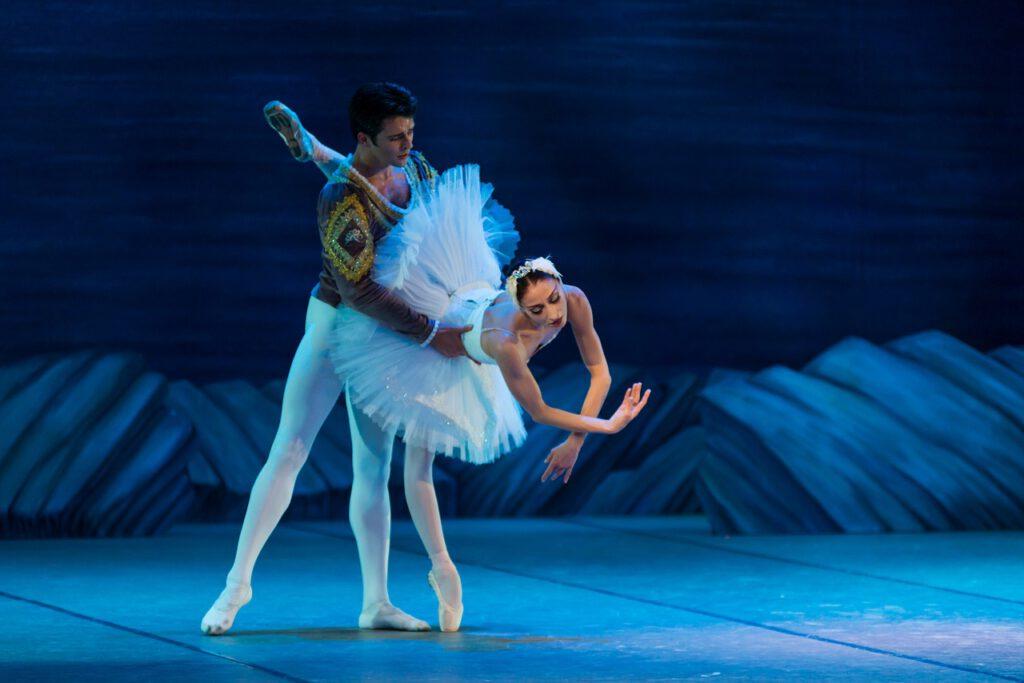 ballet danse lac des cygnes